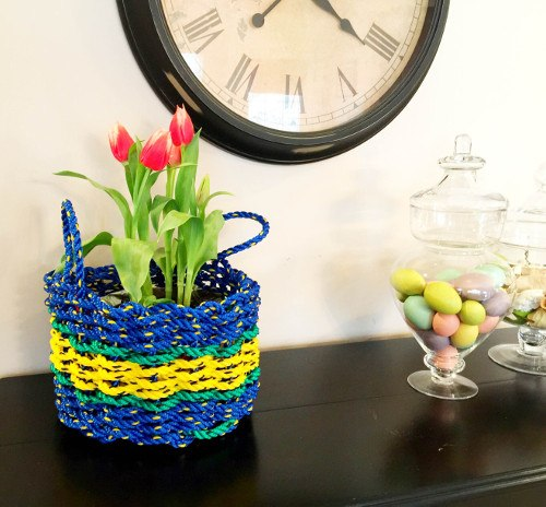 Spring Decorating Ideas: Lobster Rope Gift Baskets